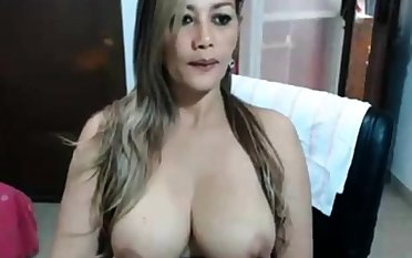 Big nipple Grown-up MILF