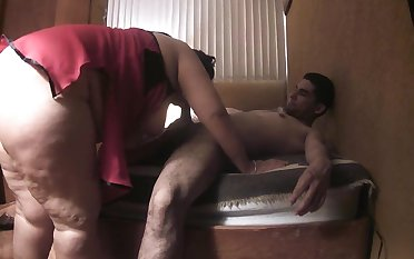 Chubby slut has relaxation with respect to skinny latina boy