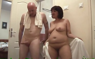 Kinky addict fucks mature chubby slut