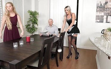 Consolidated tits blonde cleanser lady fucked by burnish apply house proprietor - Sami