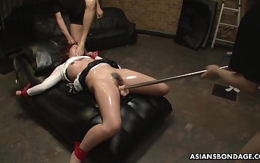Obedient Japanese whore Maki Kozue is masturbated by lots be advantageous to aroused studs