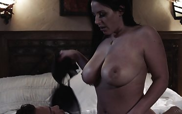 Thicc Aussie little one Angela White solely needs some proper pussy exert