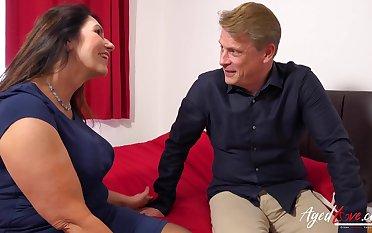 AgedLovE British Mature with Huge Titties Hard Pedestal