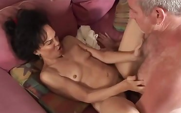 Hairy pussy matured ebony interracial action