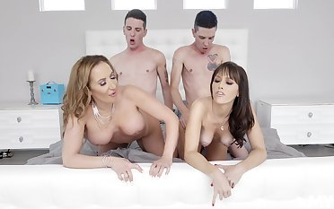 Naked MILFs swap partners fro the dirtiest foursome they reciprocal