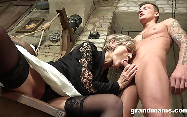 Grey haired mature wrinkled bitch gives her cadger a current blowjob