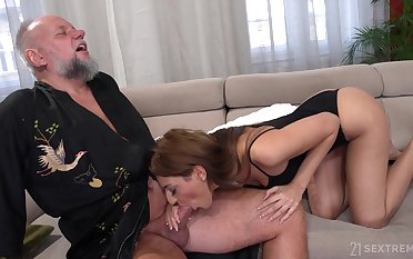 Bearded older challenge is treated with a nice blowjob by lovely Sarah Cute